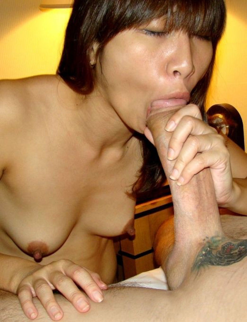 Girl sucking big cock