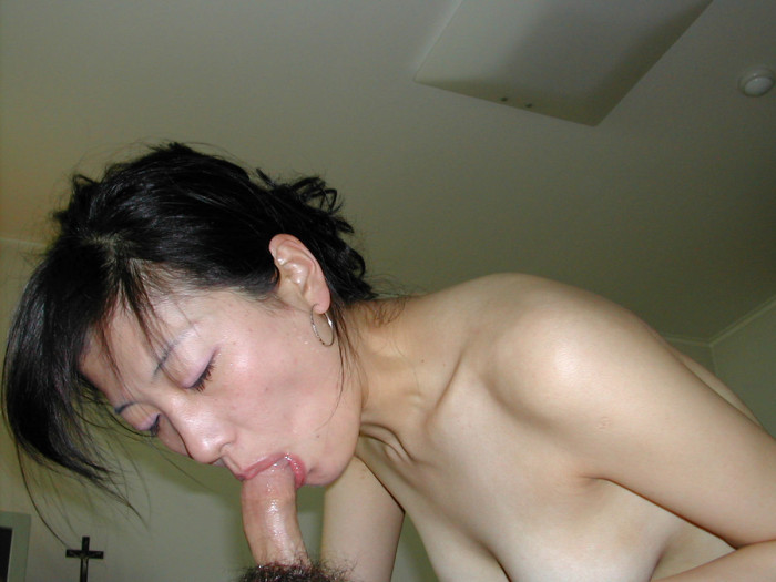 cock Amateur sucking asian wife