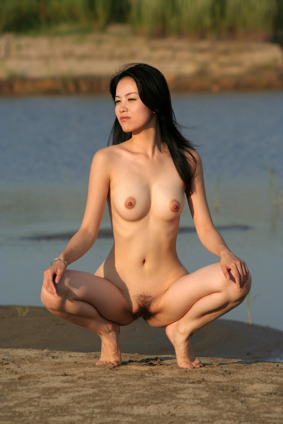 China Porn Pretty Pussy - Beautiful sporty asian exposes her pussy outdoors. 20 photos