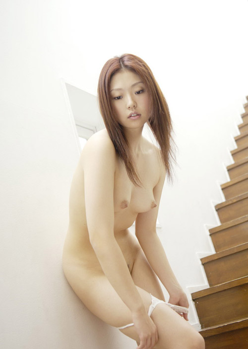 Very sweet japanese girl with perky tits. 10 photos