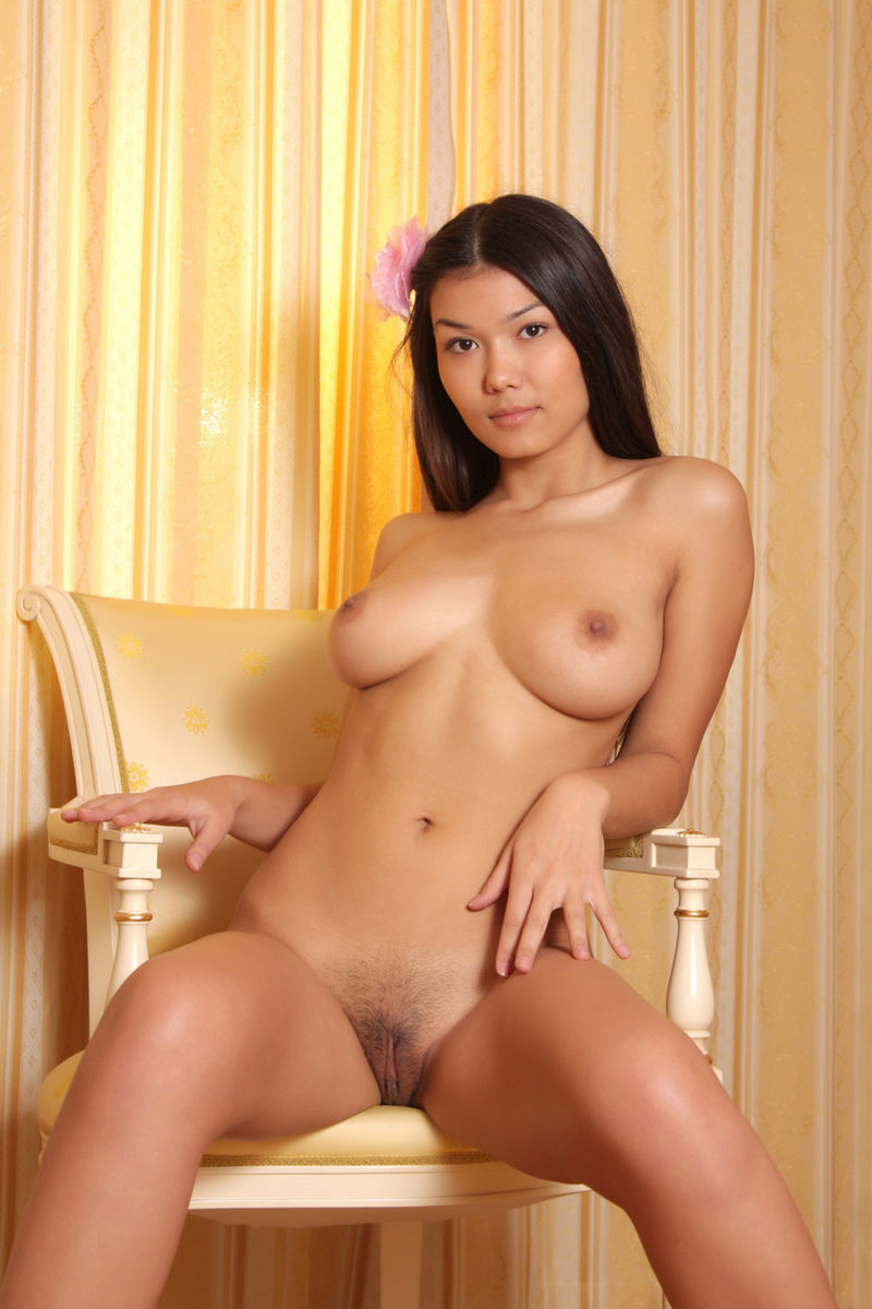 Asian Big Pussy Porn - Naked asian babe with great big boobs and shaved pussy. 18 photos