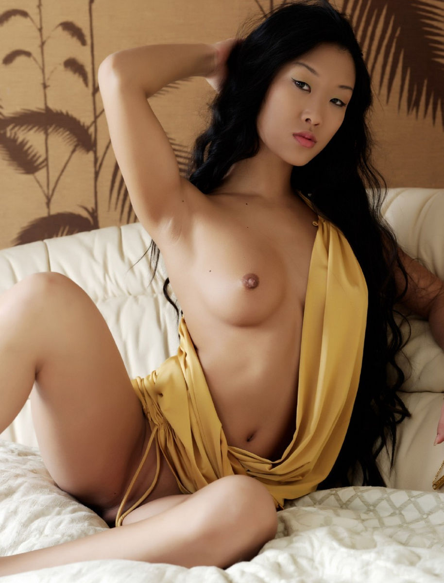 Prittiest naked asian girls really