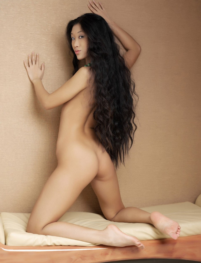 Prittiest naked asian girls