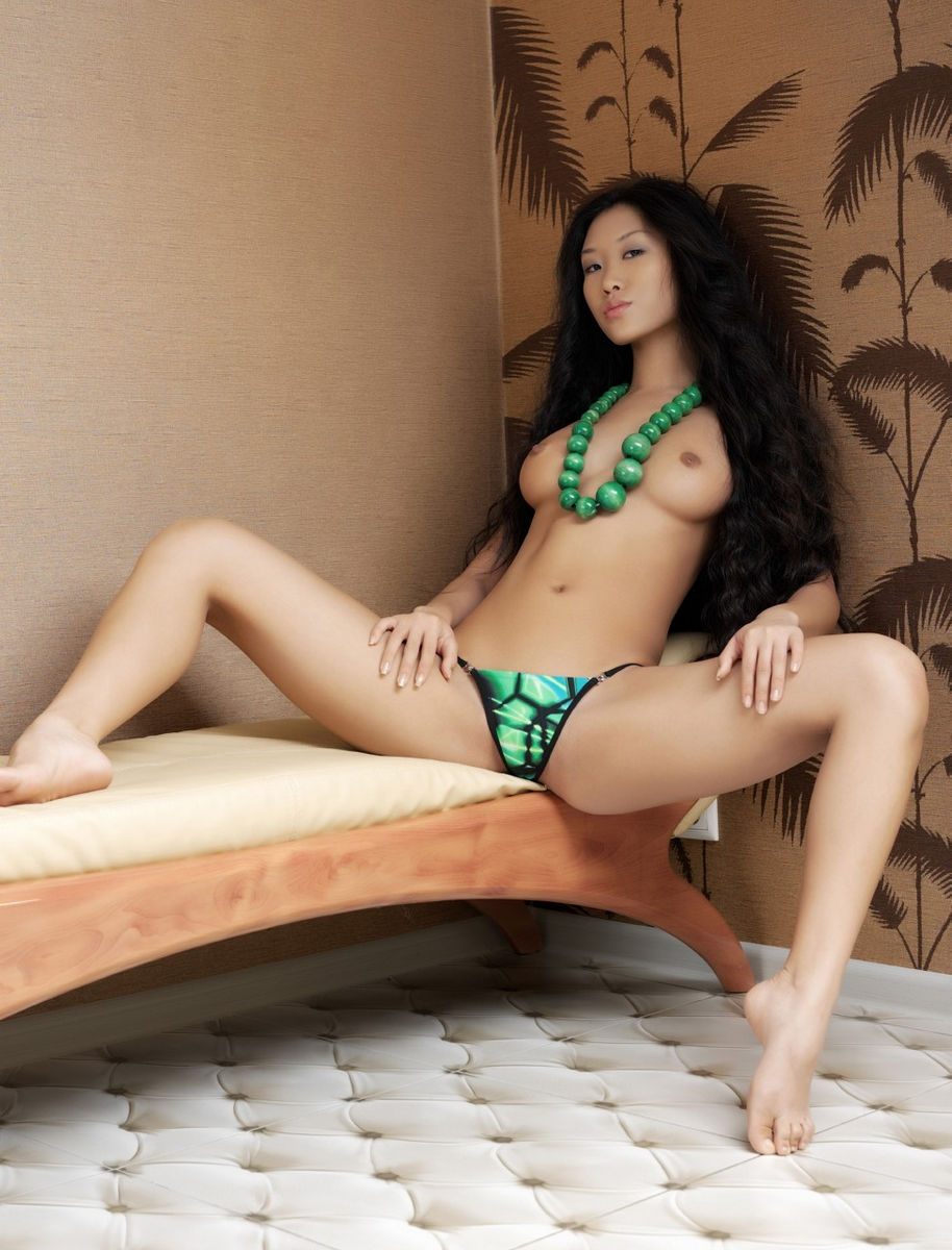 Beautiful Chinese Women Hairless Pussy Naked