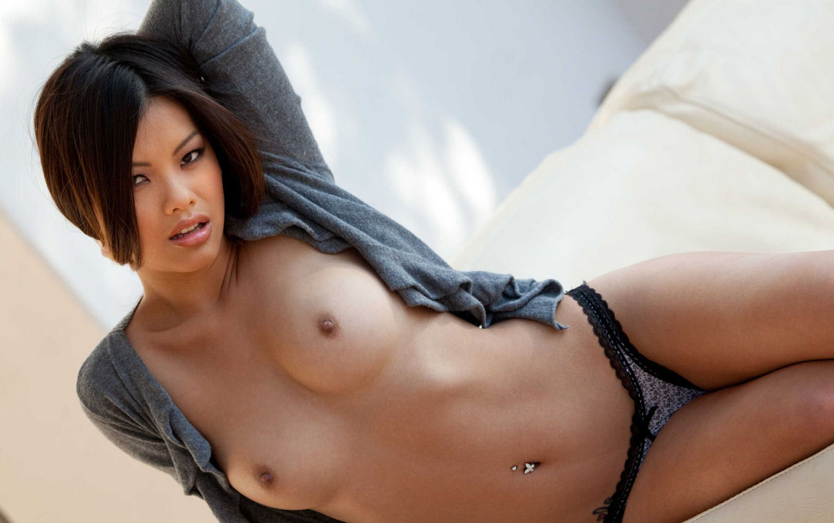 sexy busty naked asian girls