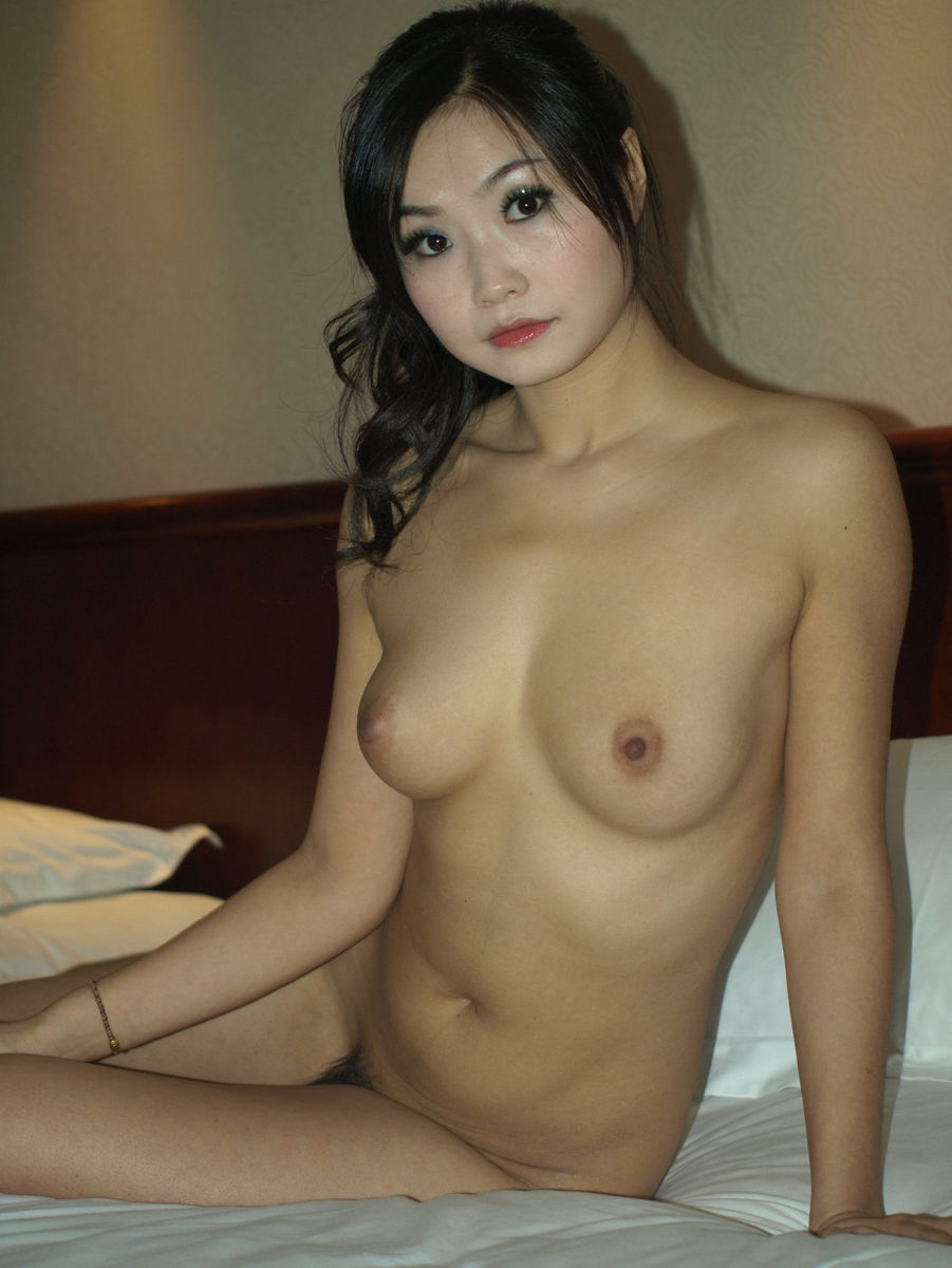 Hotel nude housewife room in