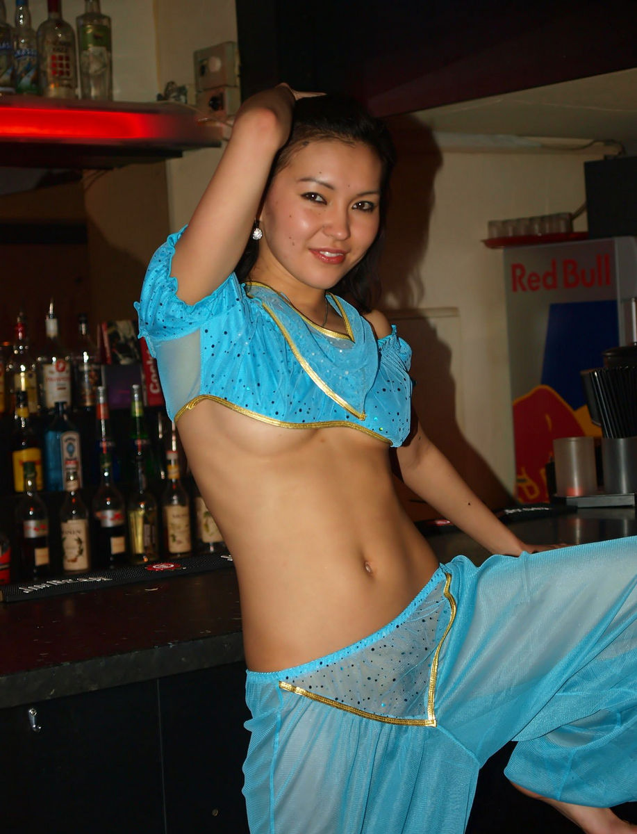 naked sexy bar girls