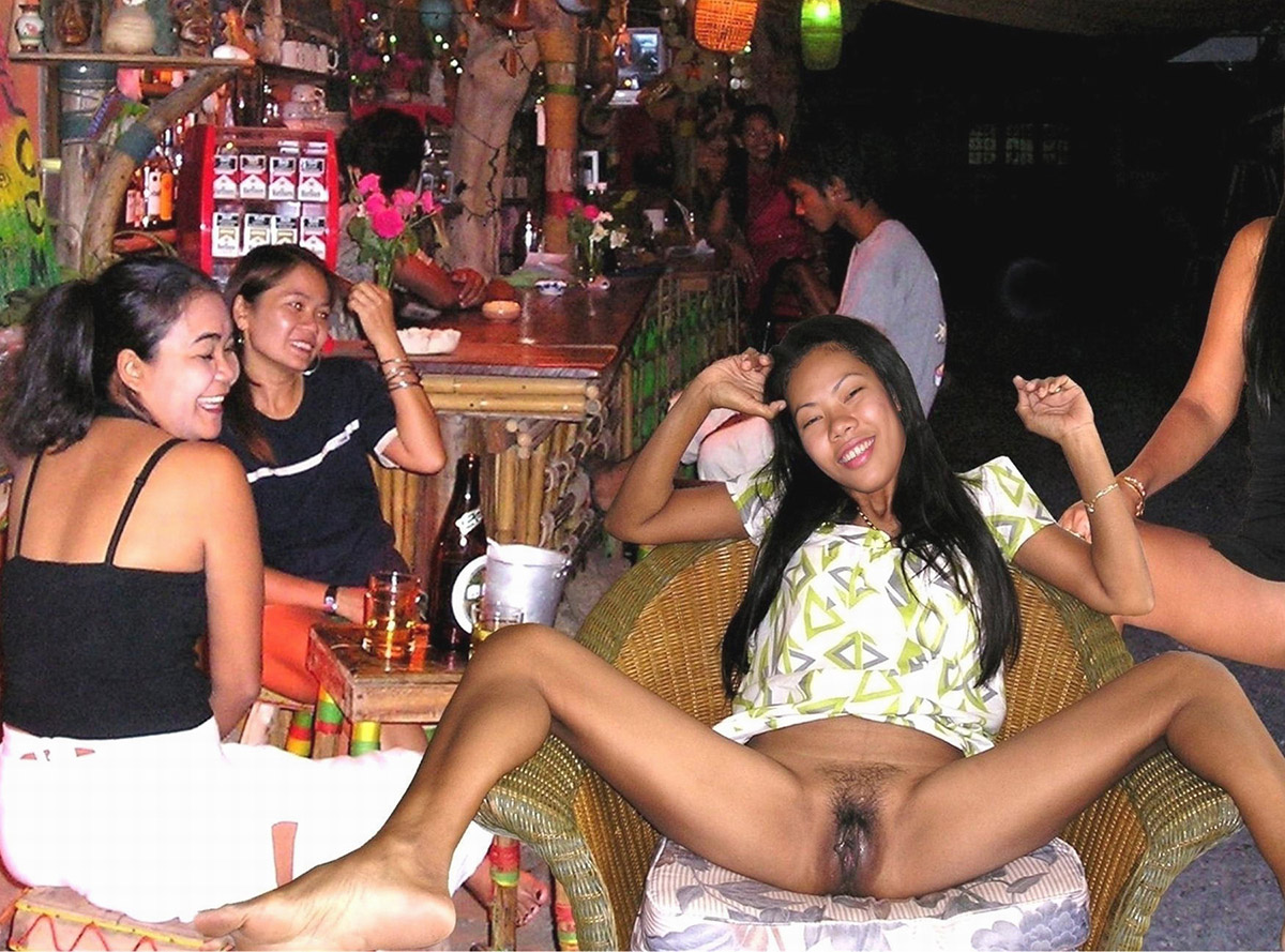 hot drunk chicks showing pussy