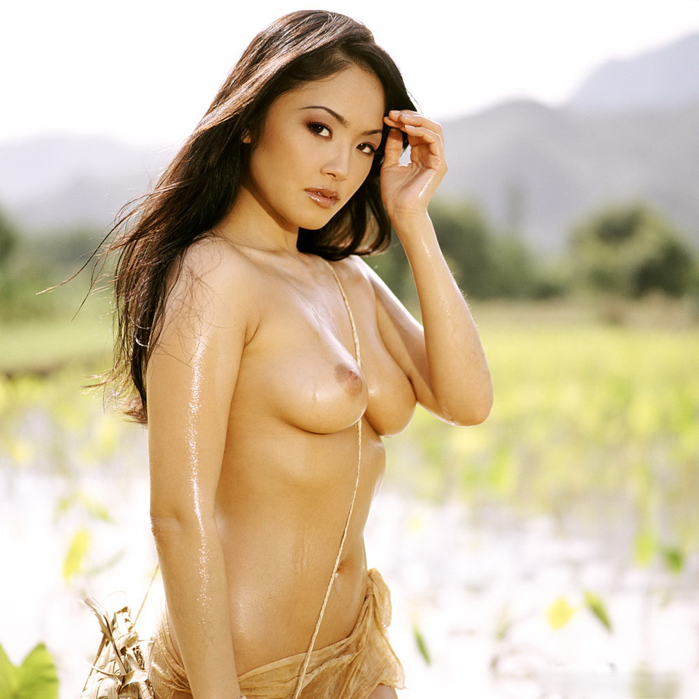 gorgeous nude asian