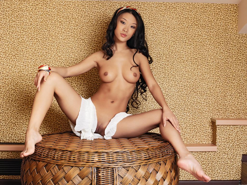 Perfect naked girl with amazing body at bed — Asian ...